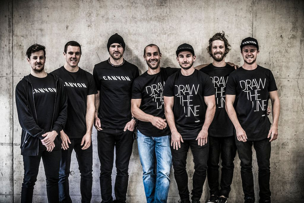 El equipo Canyon Factory Downhill Team al completo