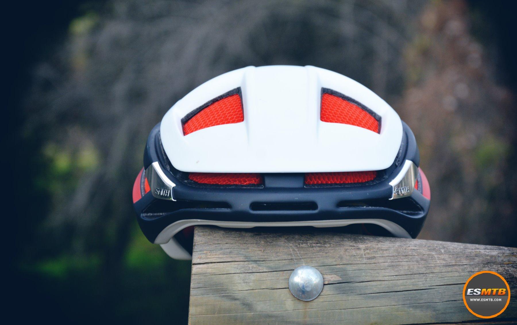 La aerodinámica ha sido una de las grandes premisas en el diseño del casco