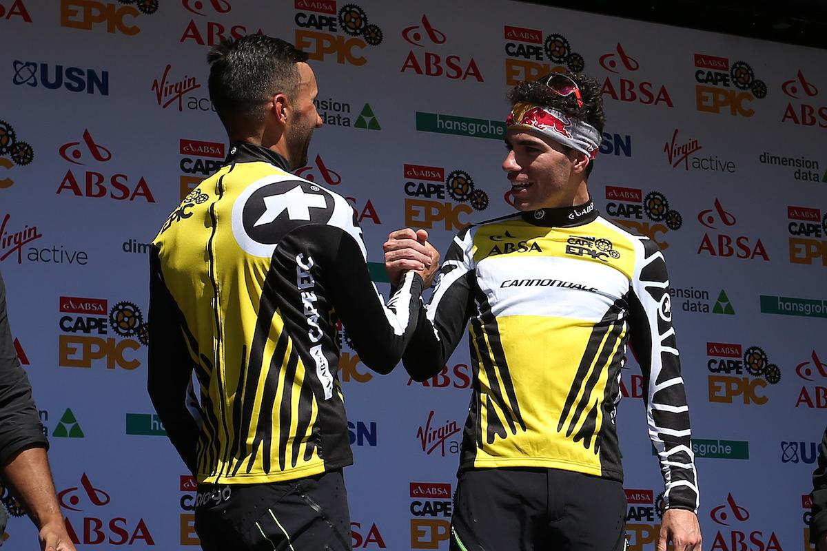 Los primeros líderes de la carrera. Fumic y Avancini se ha lucido en la primera etapa de la carrera. Foto Shaun Roy/Cape Epic/SPORTZPICS
