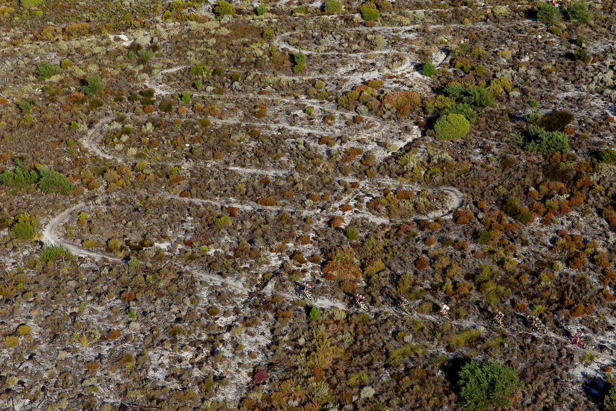 El día de los senderos en la Absa Cape Epic. Oak Valley y sus alrededores nunca decepcionan. Foto Greg Beadle/Cape Epic/SPORTZPICS