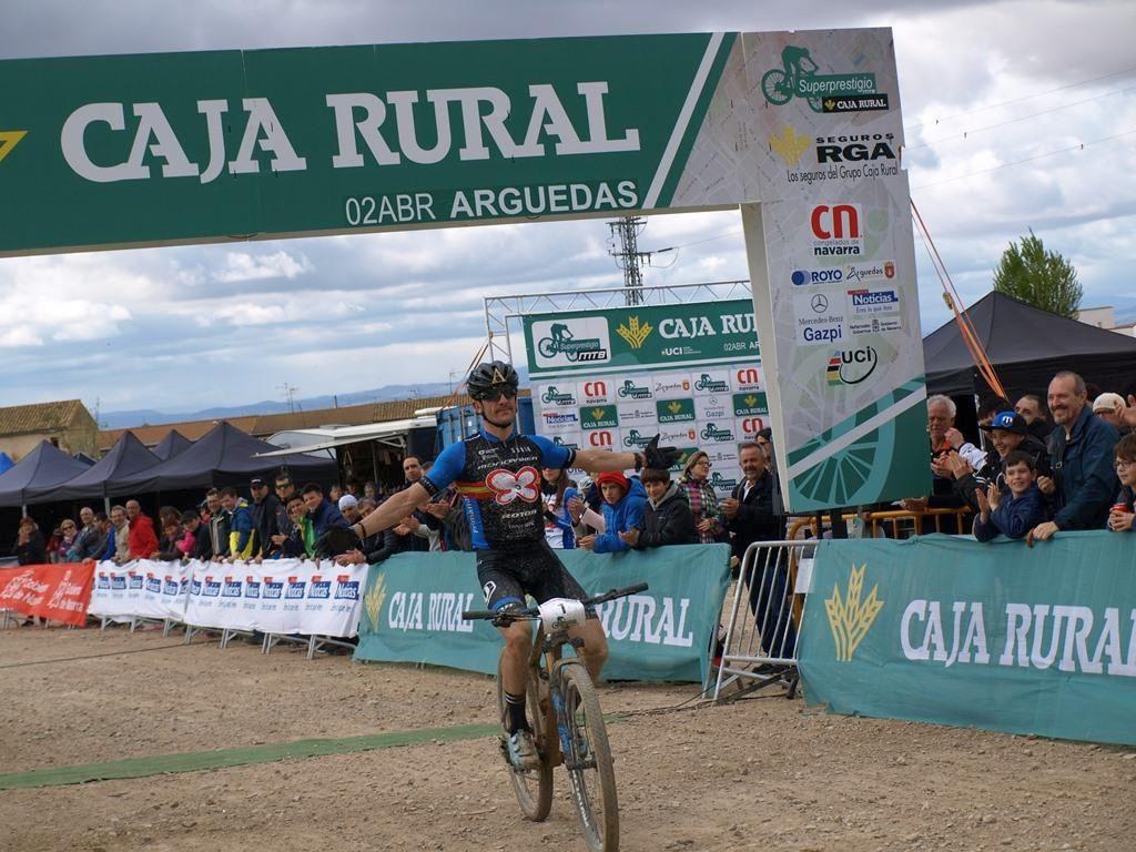 Carlos Coloma triunfal