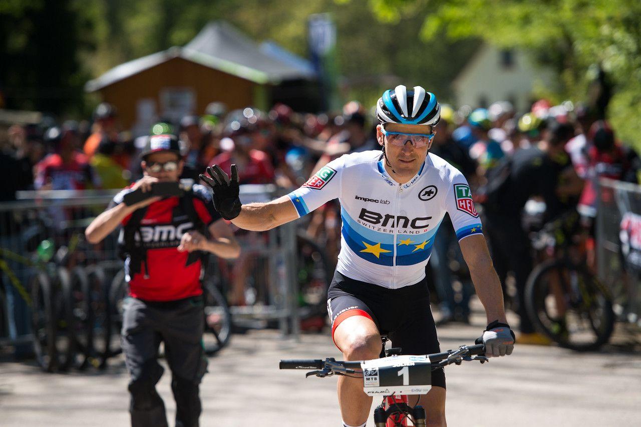 Julien Absalon, ganador la semana pasada en Haiming (con permiso del pinchazo de Fluckiger) fue 4º esta vez