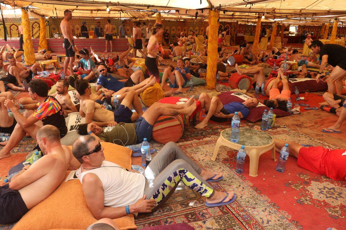 Así han dormido los participantes, en una haima común