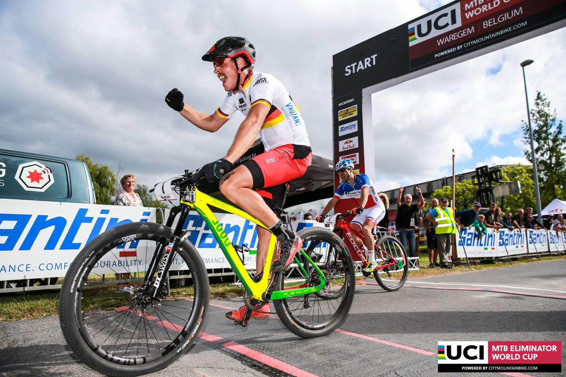 Simon Gegenheimer ganando la carrera