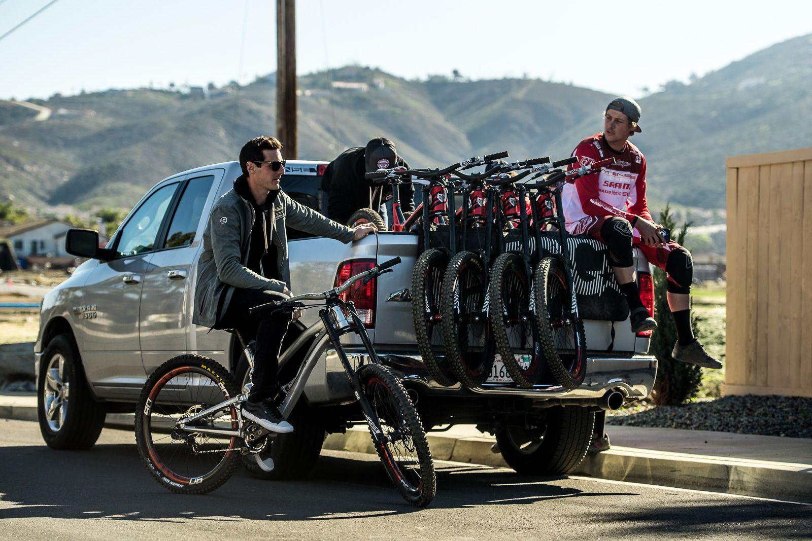 El team camp de California, en Enero, es clave para preparar la temporada. Foto Nathan Hughes