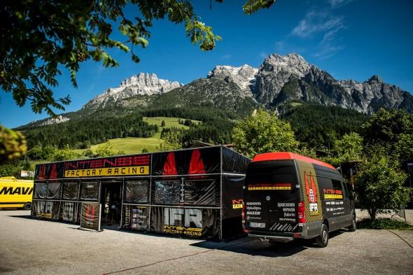 El nuevo look del equipo Intense Factory Racing en la Copa del Mundo