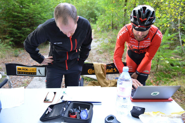 Florian Vogel en la intensa sesión de pruebas que realizó con DT Swiss y Continental