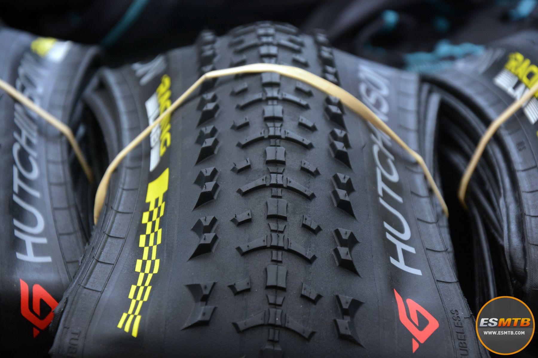 Detalles del taqueado del nuevo neumáticos, aún pendientes de saber si saldrá a producción