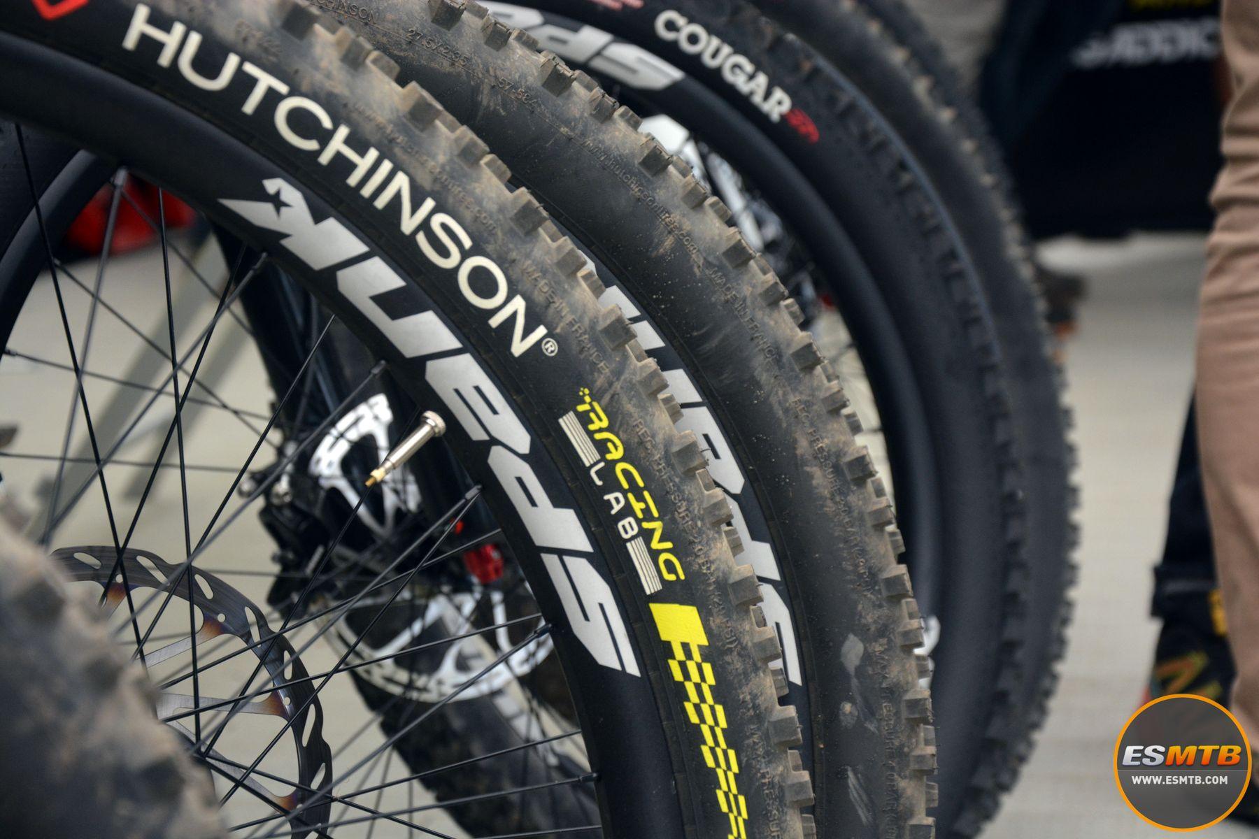 Los riders de DH también se benefician del nuevo programa Hutchinson Racing Lab