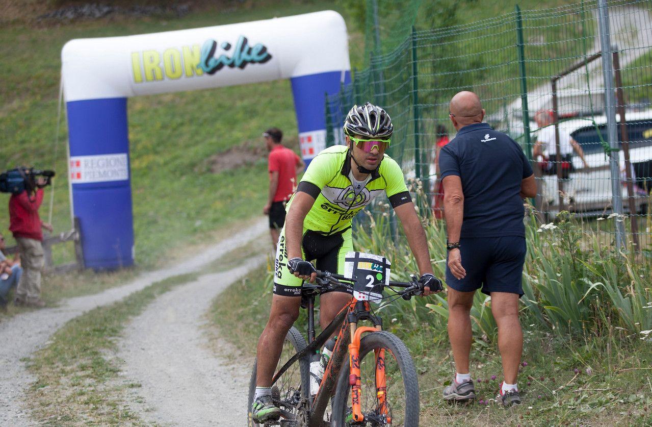 Joseba Albizu se ha convertido en el eterno aspirante al triunfo. Va sumando segundas posiciones año tras año. Muy fuerte en los ascensos tiene su punto negro en las bajadas. Además, este año, una caída le hizo romper el cuadro y correr la mayor parte de la prueba con una rígida en lugar de la doble con la que empezó.