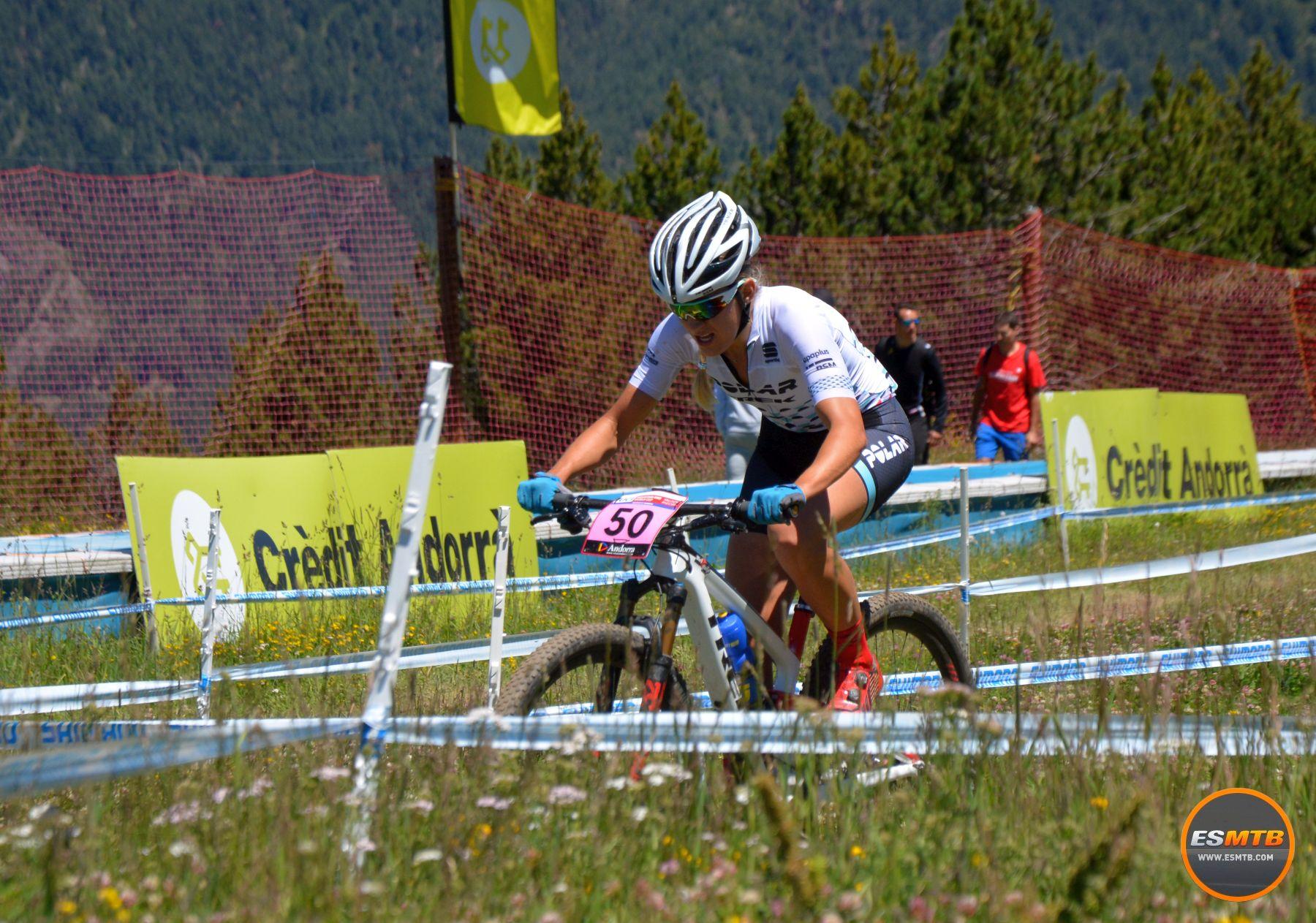 Claudia Galicia fue la mejor corredora nacional. Una biker polivalente como pocas que la semana anterior había disputado de tú a tú el mundial de bike-maraton