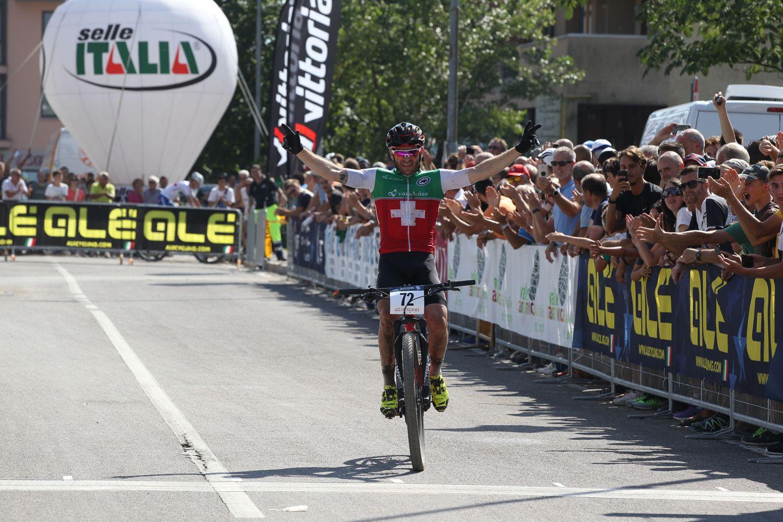 Florian Vogel ganando 9 años después de su anterior victoria en un Campeonato de Europa