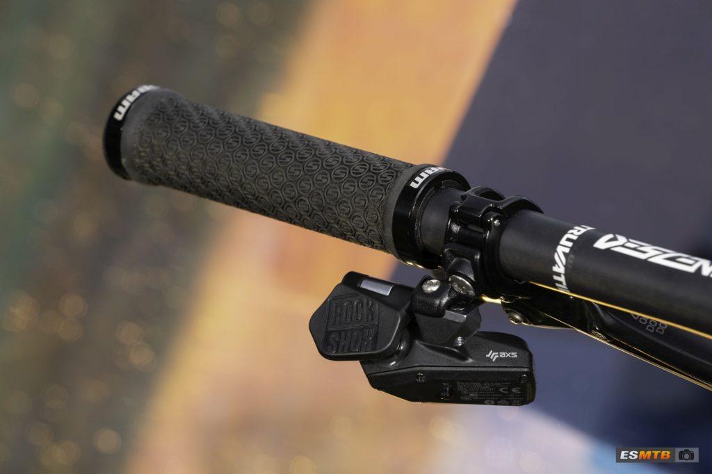 Tija telescópica RockShox Reverb AXS