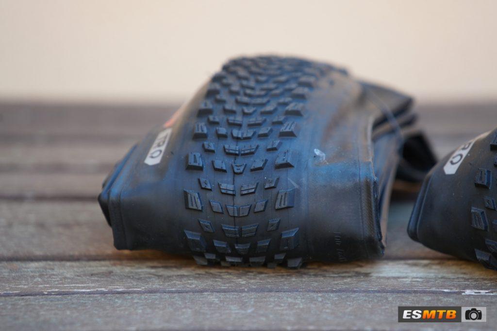 Neumático Kenda Booster Pro en carcasa TR