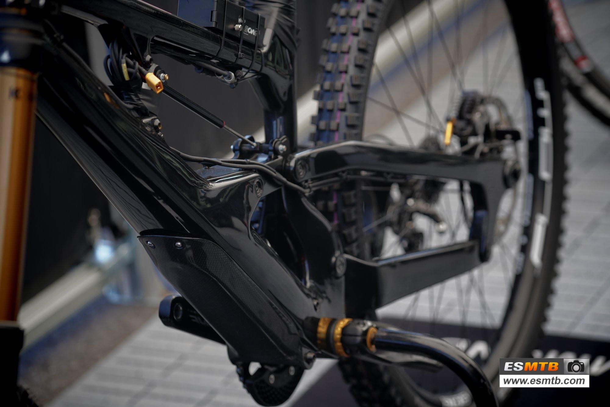 Cannondale y su bici de DH de dos amortiguadores