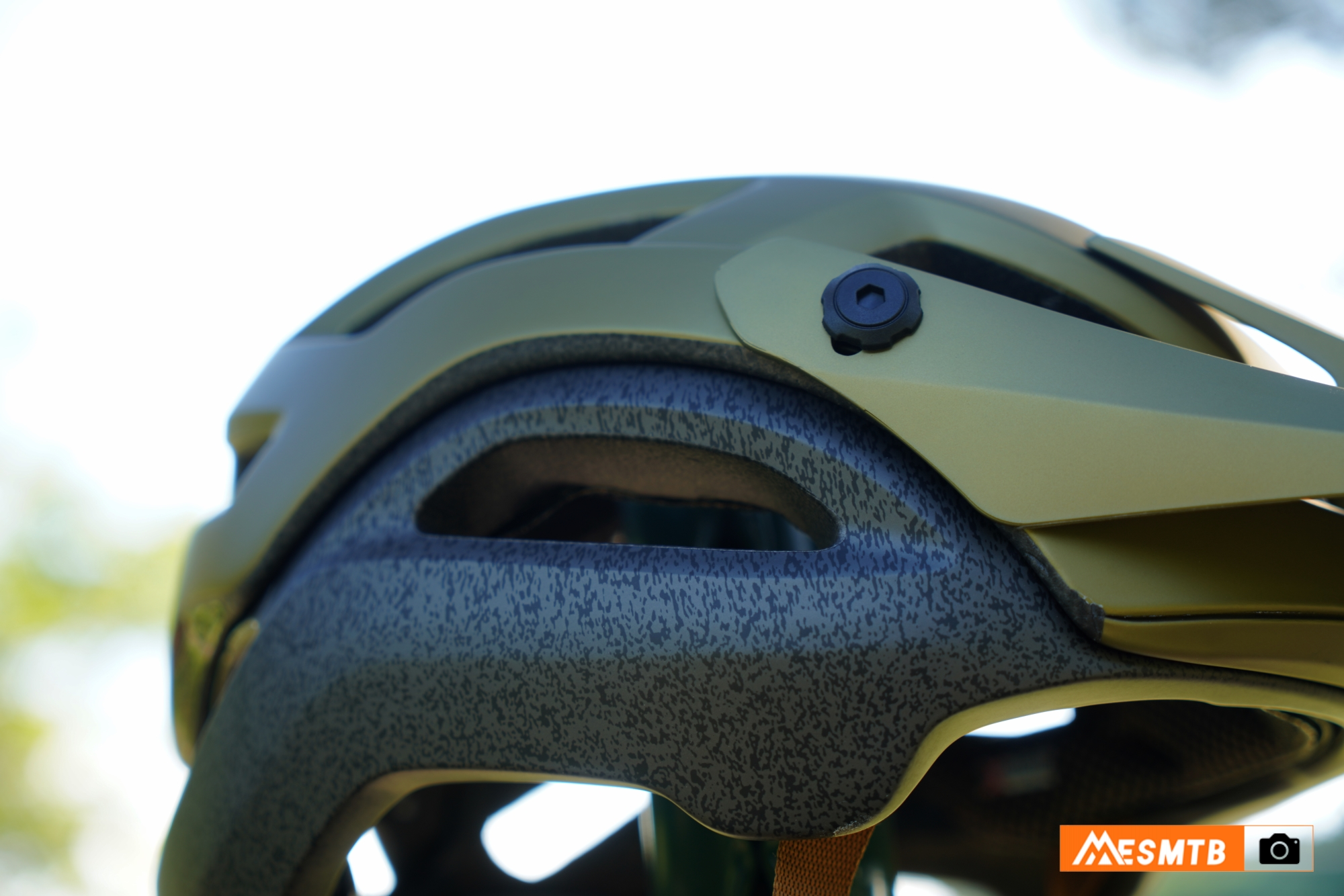Casco Giro Manifest Spherical