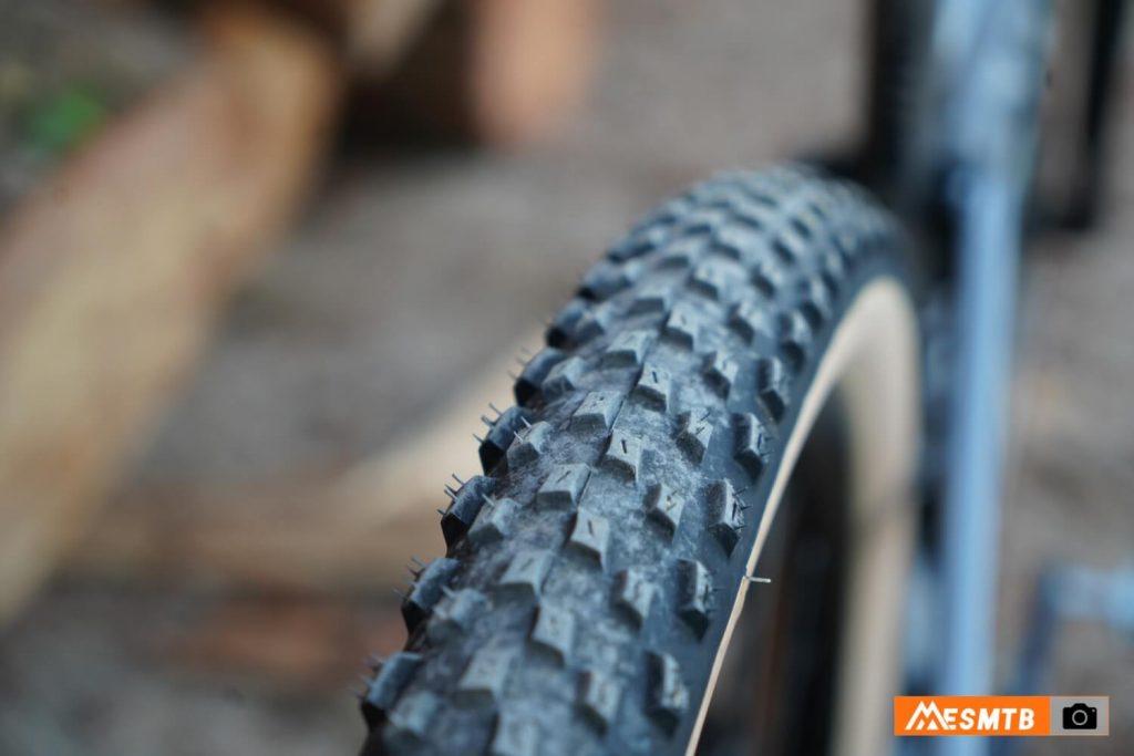 Neumáticos Vittoria Barzo de 2,25