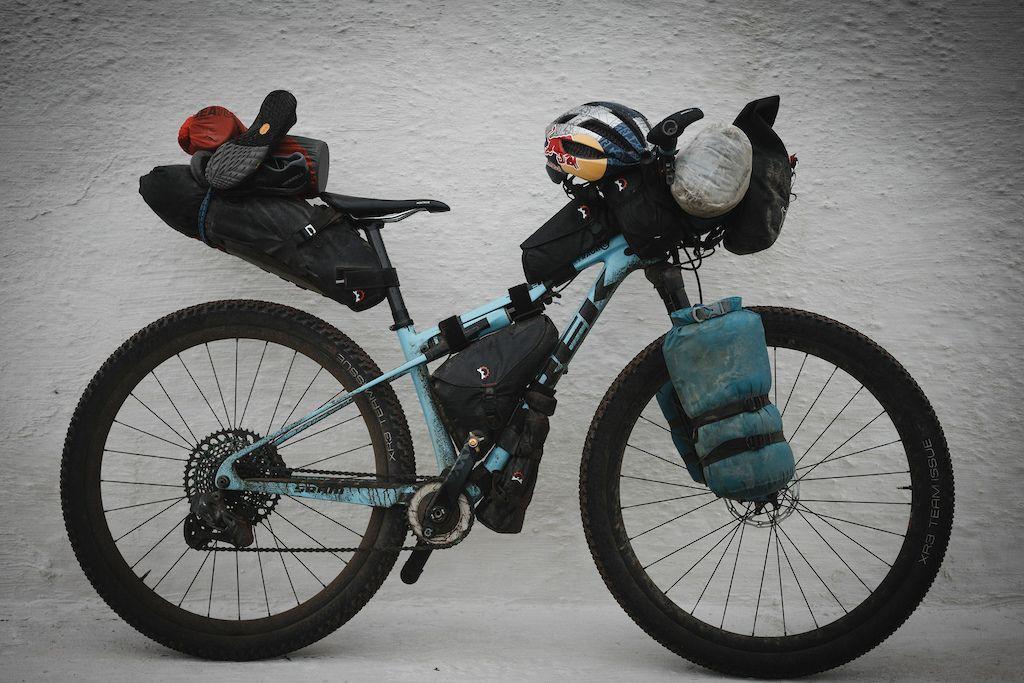 Bikepacking con Emily Batty en Islandia